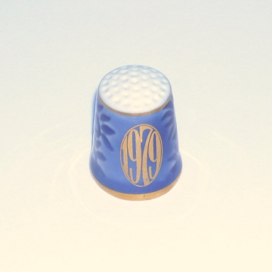 Bing & Grondahl 1979 Blue Gold Porcelain Thimble