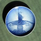 Danish Bing & Grondahl Copenhagen Christmas Eve Statue of Liberty plate 1996