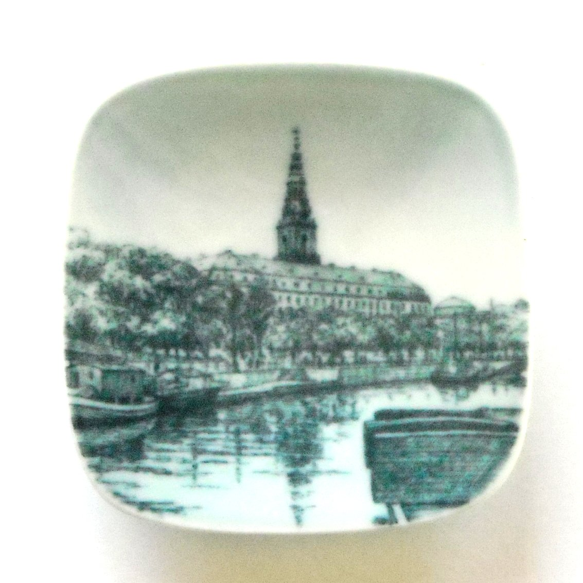 Christiansborg Palace Bing & Grondahl Copenhagen Denmark Small Plate Ornament