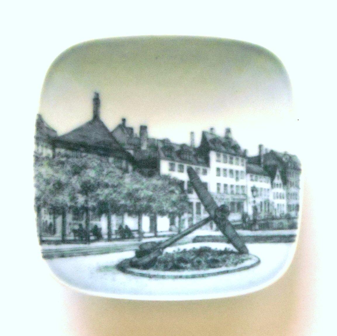 Mindeankeret Nyhavn Bing & Grondahl Copenhagen Denmark Small Plate Ornament