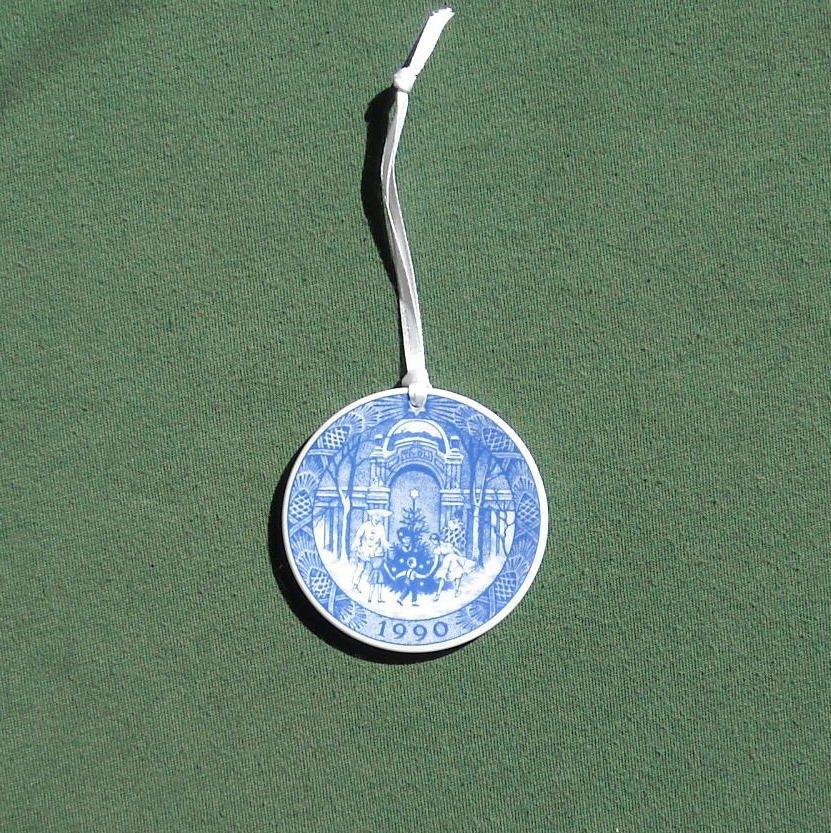 Danish Royal Copenhagen Denmark Christmas Mini Plate Ornament 1990