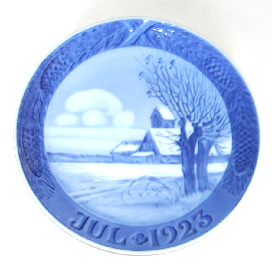 Vintage Danish Royal Copenhagen Christmas plate 1923