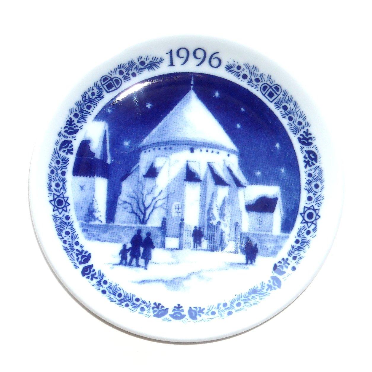 Royal Copenhagen Denmark 1996 Mini Christmas Plate