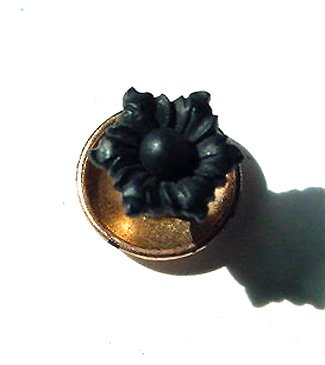 Victorian Gold and Carved Onyx Stud