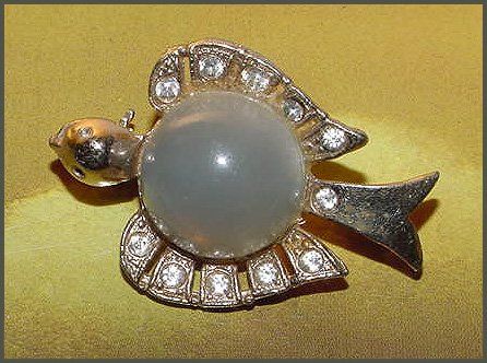 Frosted Lucite Bird Jelly Belly Brooch