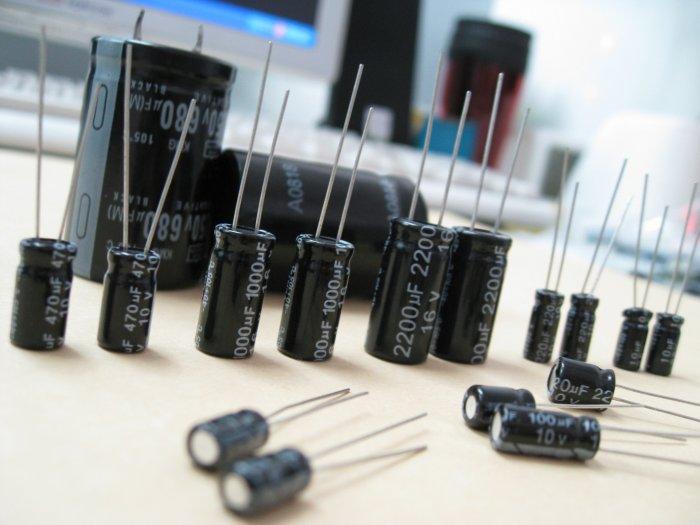 Aluminum Electrolytic Capacitor (RoHS)
