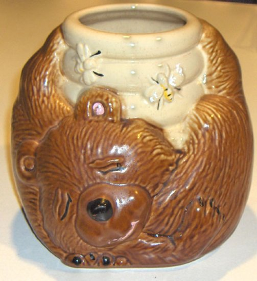 MCCOY BEAR WITH BEEHIVE COOKIE JAR - No Lid