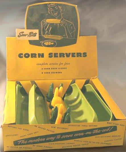 Vintage SERV-RITE Plastic CORN COB Holders and Corn Husk DISHES Mint in Box