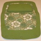 Vintage Non-Slip Bathtub Mat w/ Pillow - Retro Green Daisies