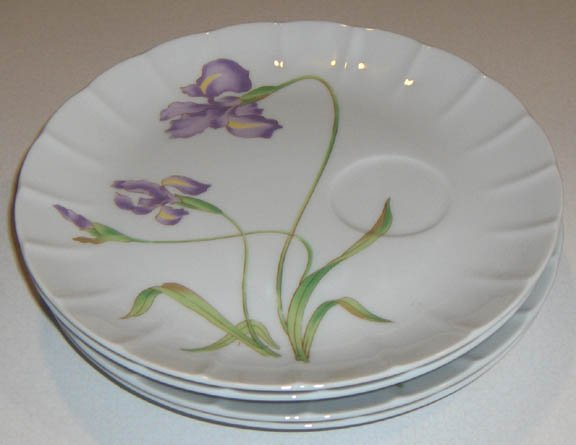Vintage Floral Snack / Luncheon Plates - Set of 4 MIJ No Cups