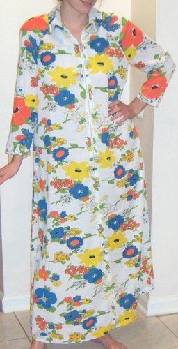 Vintage 1976 Smart Time Floral Lounging Robe NWT & Original Receipt