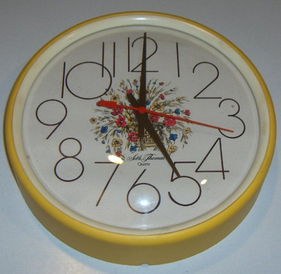 Vintage Seth Thomas Quartz Kitchen Wall Clock - Kitchen Brite