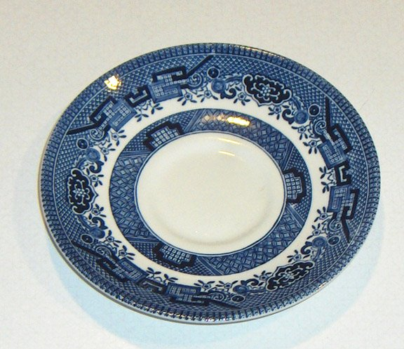 Blue Willow Churchill Saucer (no cup)