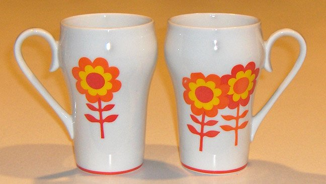 Vintage Mod Flower Power Orange Red Mugs - Set of 2