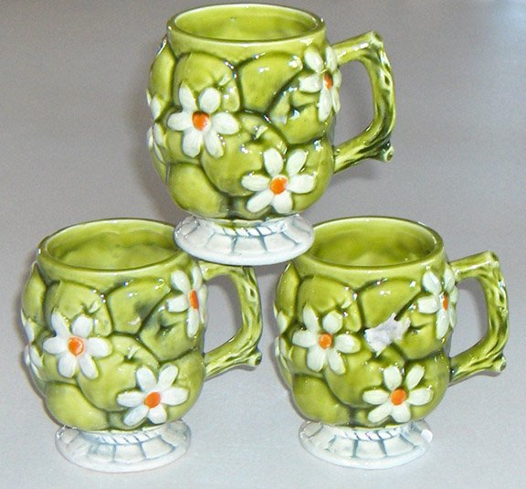 Vintage 60's Inarco Green Apples & Daisies Footed Cup / Mug - Set of 2