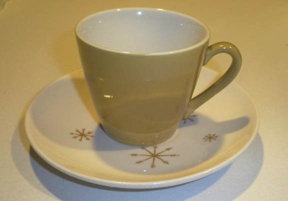 Vintage Royal China Star Glow Cup & Saucer Set of 4
