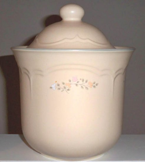 Pfaltzgraff Remembrance Medium Canister with Lid