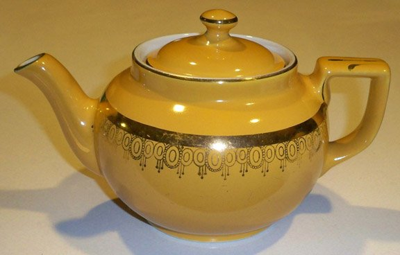 Vintage Hall Teapot Boston Standard Gold Teapot 6 cup