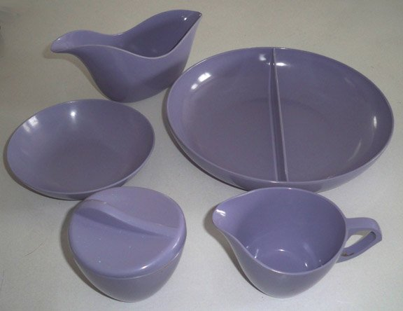 Vintage Royalon Melamine Melmac Purple 5 Pc. Serving Set plus 5 Cups