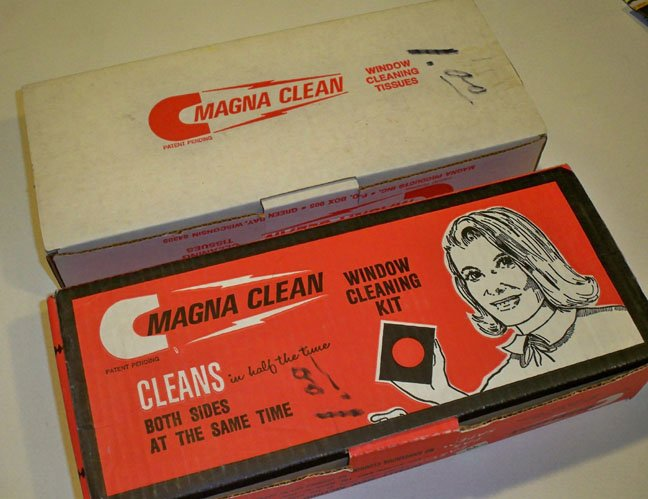Vintage Magna Clean Window Cleaning Kit plus Window Cleaning Tissues