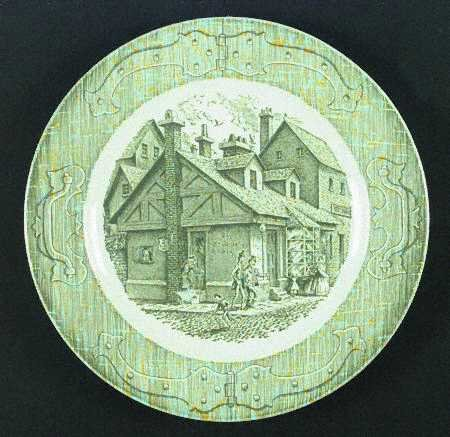 Royal USA Old Curiosity Shop Dinner Plate Set of 2