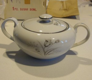 Creative Royal Elegance Fine China Japan Sugar Bowl w/ Lid MIB