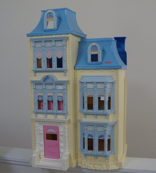 Vintage 2002 Fisher Price Sweet Sounds Dollhouse #B2663