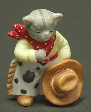 Vintage 1995 Kitty Cucumber Figurine Bow to Your Partner - Ten Lives Club Cat Adoption Group Benefit