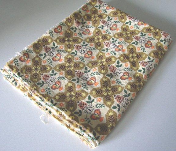 Vintage 60s Pennsylvania Dutch Fabric - 1 yd