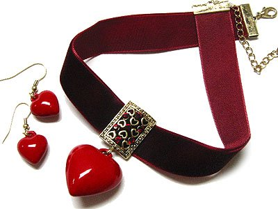 Adorable Retro Hippie Velvet Red Choker Red Hearts & Earrings Jewelry Set - FREE SHIPPING