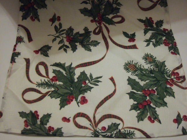Christmas Napkins Holly Berries Bows Fabric