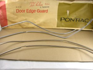 1971 75 Pontiac Cat Bonneville SW NOS door edge guard