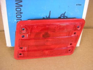 1970 Pontiac Bonne Cat rear marker lamp lens NOS RH
