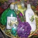 LILY OF THE VALLEY 9 PC BATH SET W/ LARGE HAT BOX