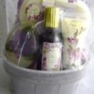 FLORA FREESIA 4 PC MINI BATH SET IN WOVEN BASKET