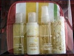 AMBER LILY 4 PC 2 OZ TRAVEL BATH SET W/ COSMETIC BAG