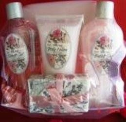 WILD ROSE 5 PC BATH SET WITH REUSABLE CONTAINER