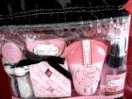 THINK PINK TEEN 4 PC BATH SET W/ TRAVEL BAG