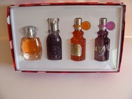 LIZ CLAIRBORNE 4 PC . 5 OZ MINI MIXED PERFUME COLLECTION GIFT SET