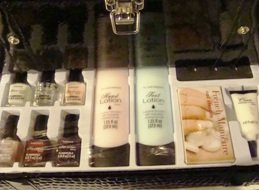 BEAUTY BASICS COLOR COLLAGE 84 PC COSMETIC COLLECTION