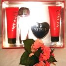 XOXO 4 PC WOMEN'S 3.4 OZ PERFUME & BATH GIFT SET