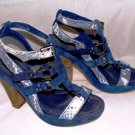 APEPAZZA WOMENS NAVY SNAKESKIN LIGHT BLUE STRAPPY SANDAL SIZE 7M