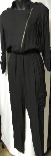HOT & DELICIOUS BLACK LONG SLEEVE FRONT ZIP JUMPSUIT SIZE SM, MED