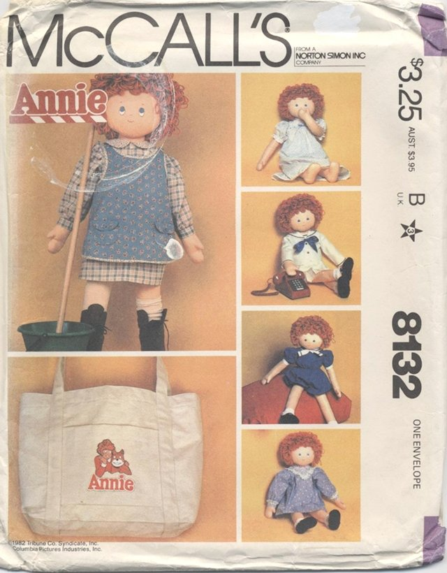 Little Orphan Annie Doll Clothes and Tote Bag, 36� doll, McCalls 8132 NEW