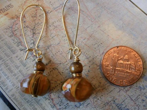 CHERRY QUARTZ AND GOLD SPONGE CORAL GOLD Earrings 21