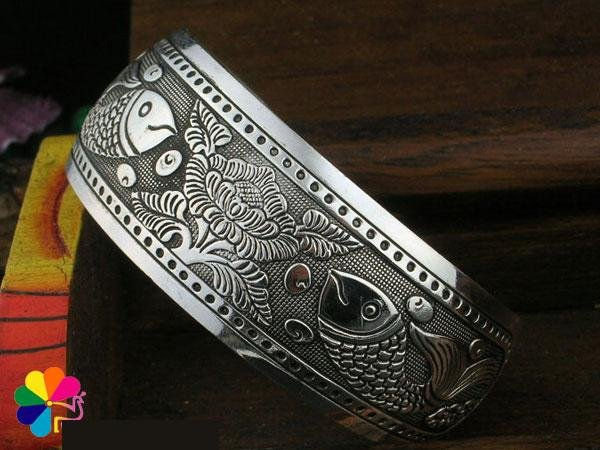 Individualized  hand-made bangle  �11