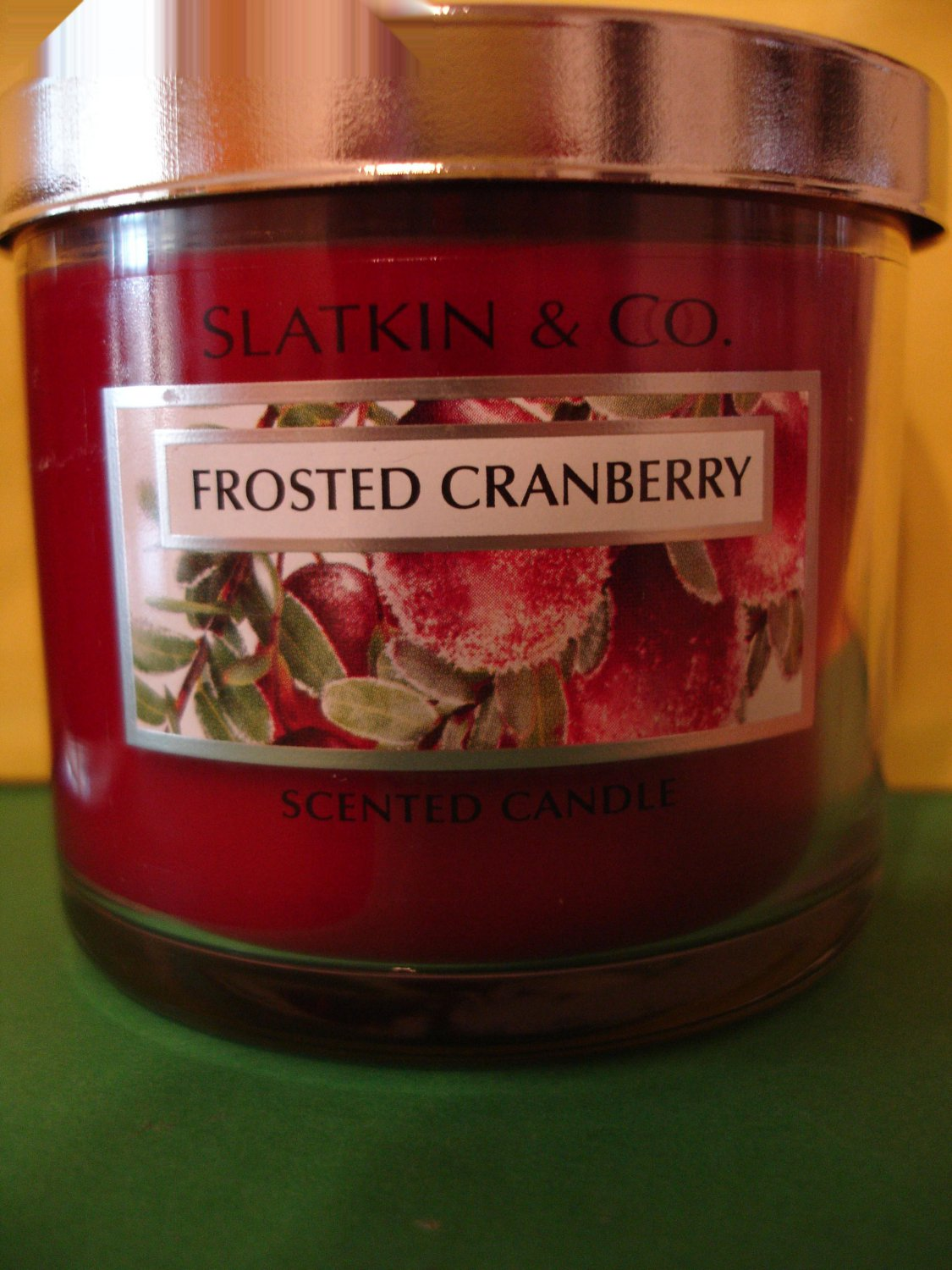 Bath & Body Works Frosted Cranberry Candle 4 oz