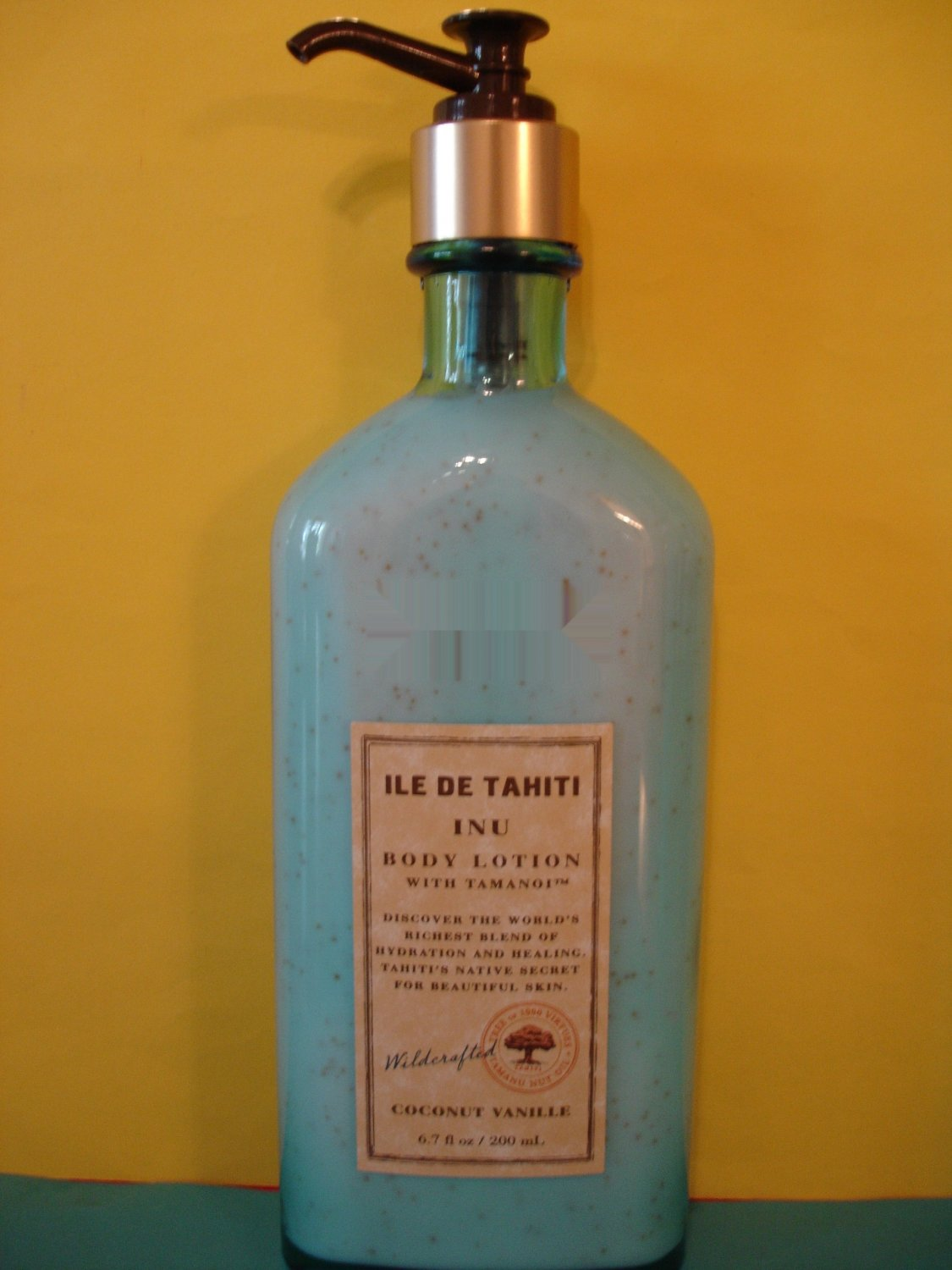 Bath & Body Works ILe De Tahiti Coconut Vanille Lotion Large Full Size