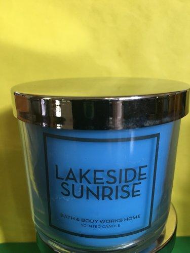 Bath and Body Works Lakeside Sunrise 4 oz Candle