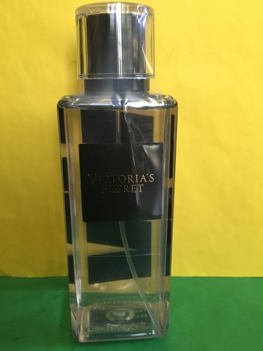 Victoria's Secret Scandalous Fragrance Mist Splash Large Full Size